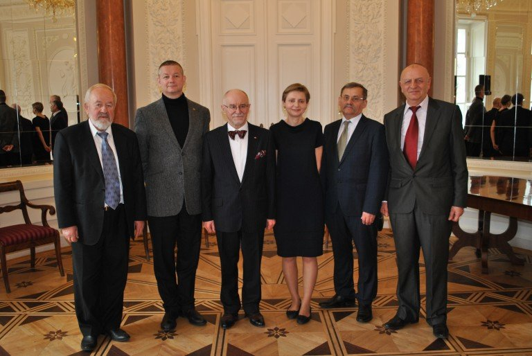 Laureates of the award with the Editor in Chief of Przeglad Wschodni quarterly Mr Jan Malicki