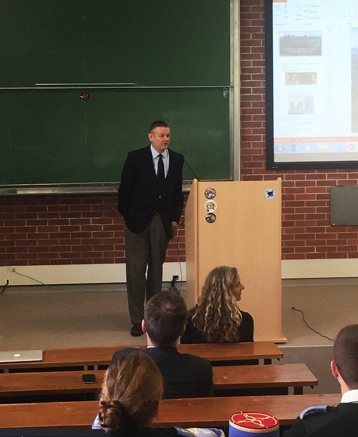 Marek Chodakiewicz presents at war studies seminar at St. Cyr