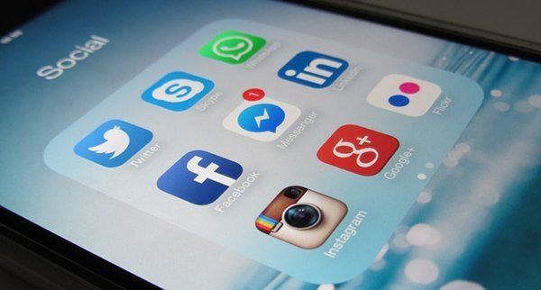 Social Media 380x204