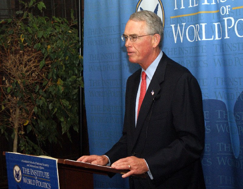 Amb. Francis Rooney gives a book lecture for The Global Vatican, November 2013