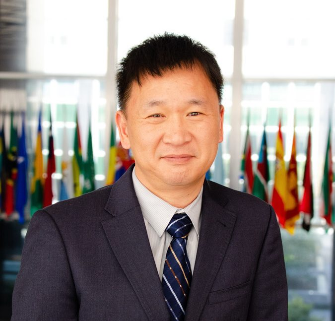 Charles Chen Headshot